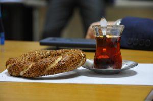 Memura Mesai Saatinde Kahvaltı ve Sigara Yasağı