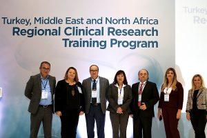 Türkiye'de ilaç Ar-Ge'sinin desteklenmesi için Pfizer ve Türkiye Klinik Araştırmalar Derneği arasında işbirliği