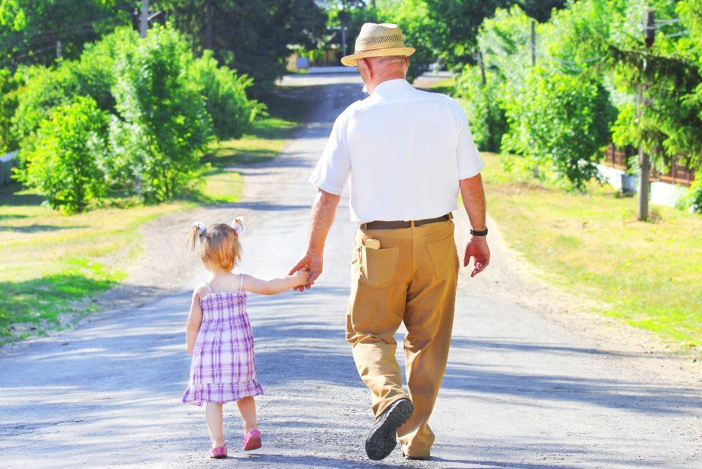 Alzheimer Hastalarına Köylerde Mutlu Yaşam