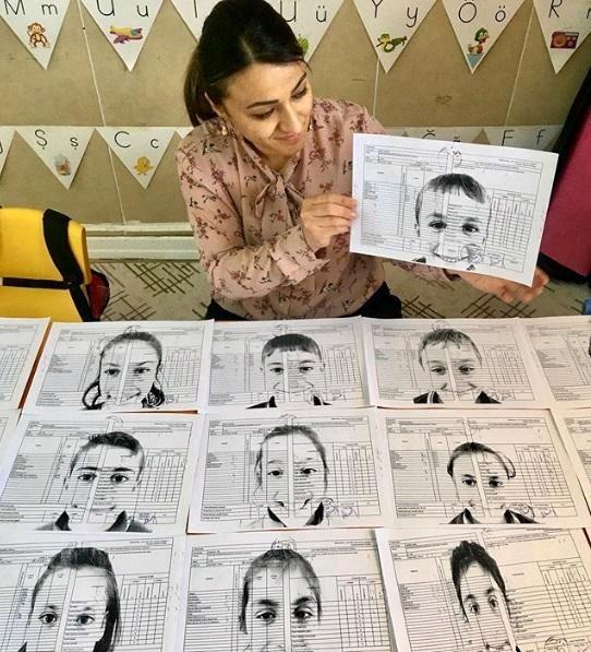 """Şanlıurfa Başören İlkokulu'nda köy öğretmeni olan Aysel Ösüz öğrencilerine """"foto karne"""" sürprizi"""