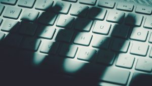 Siber suçlular, COVID-19 aşı dosyalarını paylaşmadan önce manipüle ettiler