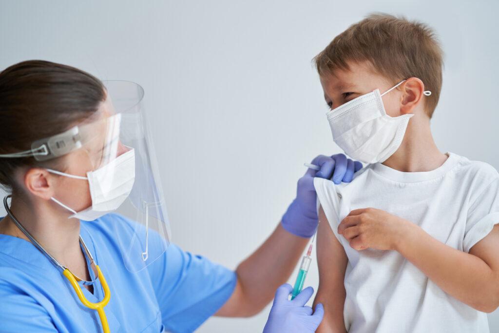"""Pfizer ve BioNTech: """"Aşı Çocuklarda olumlu immünojenisiteye sahip ve tolere edilebilir."""""""